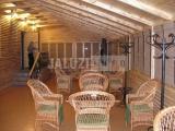 Бамбуковые ролеты в ресторане